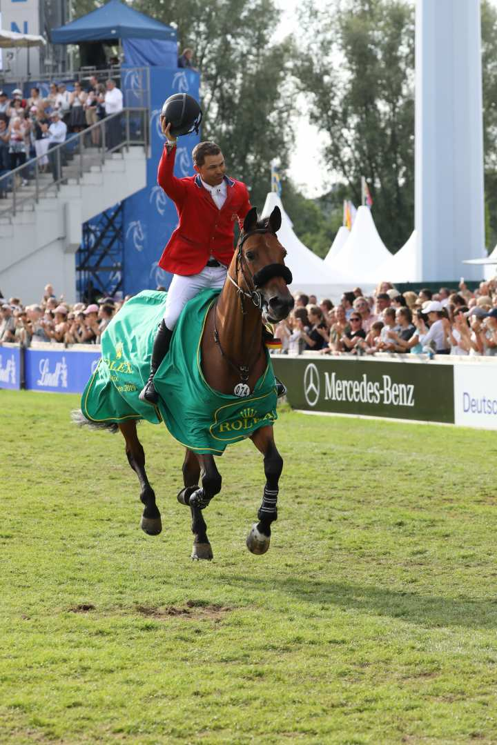 Winner of the Rolex Grand Prix 2019, Kent Farrington. Photo: CHIO Aachen/Michael Strauch