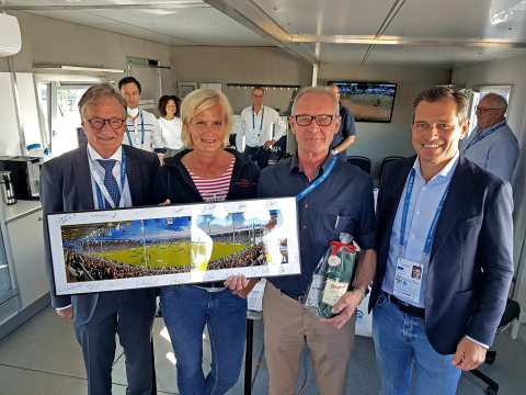 Goodbye, Gert Herrmann (2nd from right)! The ZDF commentator and equestrian sport expert commented on the CHIO Aachen for the last time last weekend. Colleague Kristin Otto, Frank Kemperman and Michael Mronz (right) presented him with gifts.