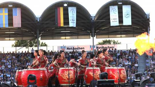 "Trommlerinnen der Formation ""Manao Drums of China"". Foto: CHIO Aachen / Michael Strauch"