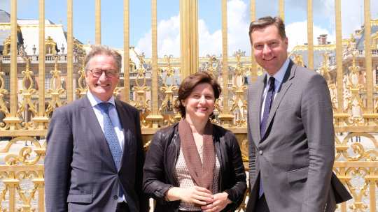 France's Sports Minister, Roxana Maracineau, presented France as the partner country 2019 in Versailles together with the Parliamentary State Secretary, Stephan Mayer (right) and Show Director of the CHIO Aachen, Frank Kemperman.  (c) CHIO Aachen