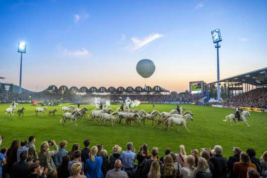 A colorful spectacle with hundreds of extras and almost 250 horses awaits visitors on Tuesday evening at the CHIO Aachen opening ceremony. Photo: CHIO Aachen/ Arnd Bronkhorst.