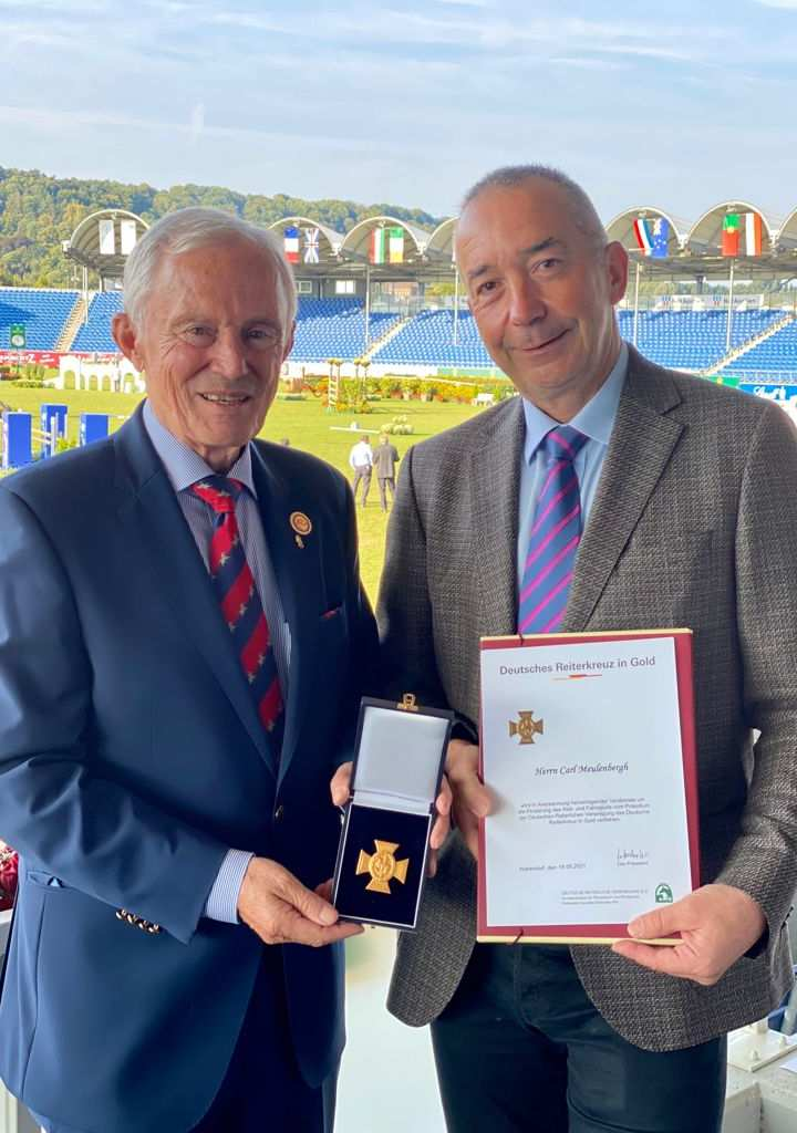 Carl Meulenbergh (left) was awarded the German Equestrian Cross in Gold of the FN by Hans-Joachim Erbel, President of the German Equestrian Federation (FN). Photo: CHIO Aachen/HR
